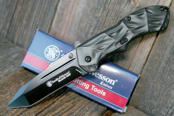 Smith & Wesson Black Ops, Assisterande Fällkniv