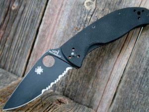 Spyderco Tenacious Black Combo Edge